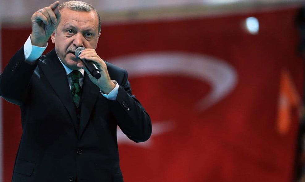 Η κατρακύλα της οικονομίας, εφιάλτης για τον Ερντογάν: Νέα έκκληση στους Τούρκους να καταθέσουν χρήματα και χρυσό