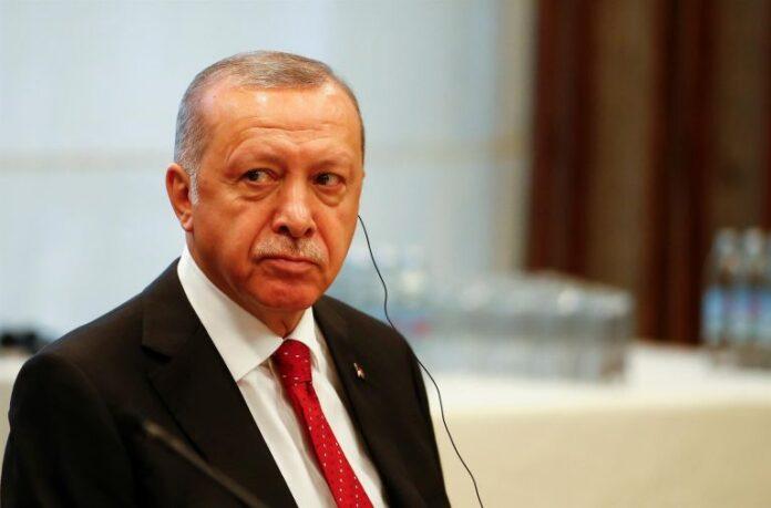 Ο Ερντογάν αγωνιά για το μέλλον του και σχεδιάζει πρόωρες εκλογές – Τι αναφέρει ανάλυση του Bloomberg