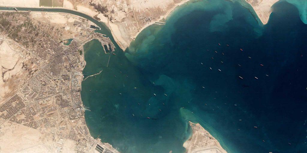 Διώρυγα του Σουέζ : Φόβος να μείνει κλειστή για εβδομάδες – Ζημιές περίπου 10 δισ. την ημέρα