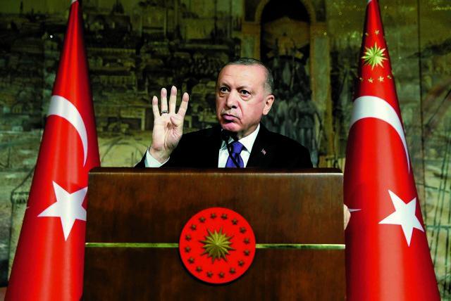 Τουρκία: Στο χείλος του γκρεμού η λίρα, η οικονομία και ο Ερντογάν