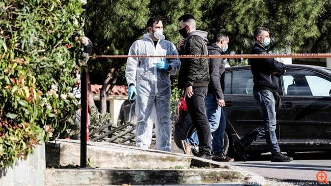 Γερμανικός Τύπος: Γιατί έπρεπε να πεθάνει ο Γιώργος Καραϊβάζ;