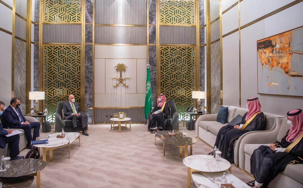 Συνάντηση Δένδια – Παναγιωτόπουλου με τον ισχυρό άνδρα της Σ. Αραβίας