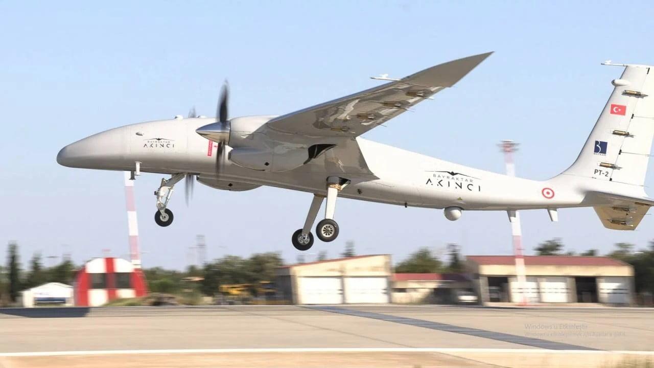 Οι Τούρκοι ετοιμάζουν μαζική παραγωγή του drone Akinci και ονειρεύονται εξαγωγικές επιτυχίες – Τι αναφέρει δημοσίευμα