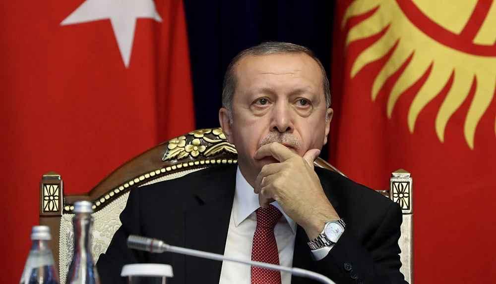 Πολιτικός σεισμός στην Τουρκία: Ο Ερντογάν συγκάλεσε την κεντρική επιτροπή του ΑΚΡ μετά την κοινή δήλωση 103 απόστρατων