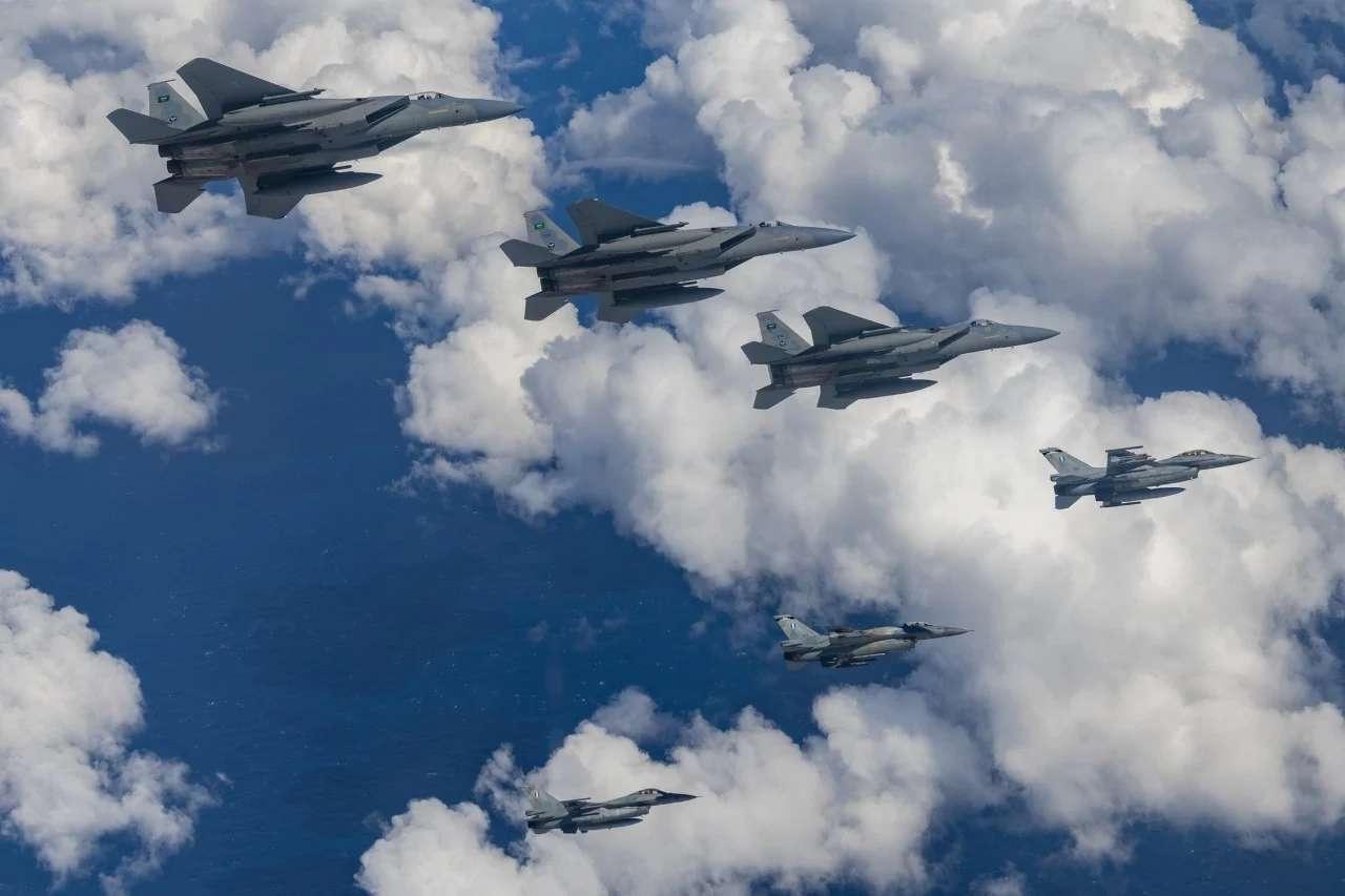 Ο «Ηνίοχος» ανοίγει τα φτερά του: Από τη Γαλλία έως τα Εμιράτα και από την Αίγυπτο έως το Ισραήλ – Εντυπωσιακή προβολή ισχύος σε Μεσόγειο και Μέση Ανατολή