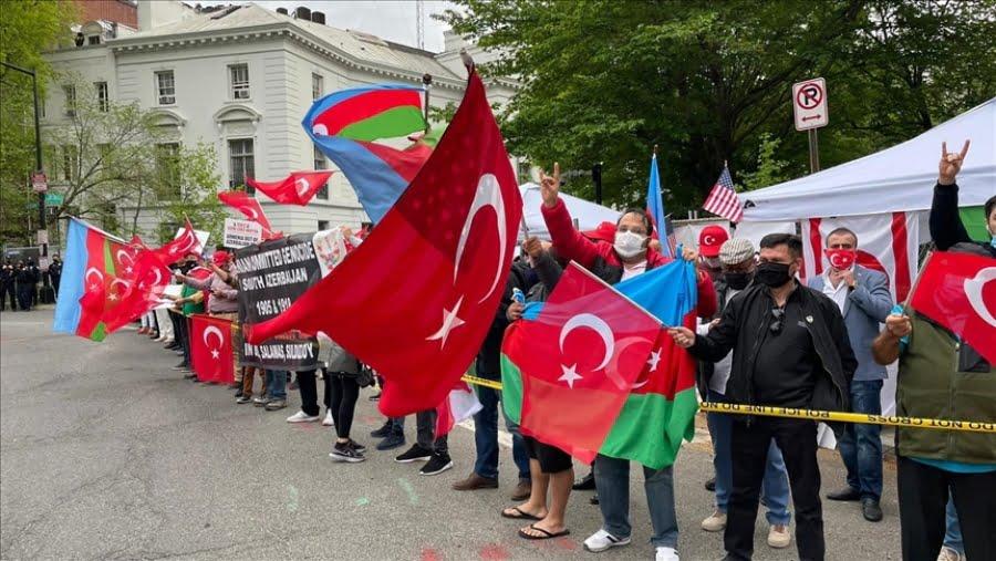 Διαδήλωση Τούρκων κατά του Biden στην Ουάσινγκτον για την αναγνώριση της Γενοκτονίας των Αρμενίων