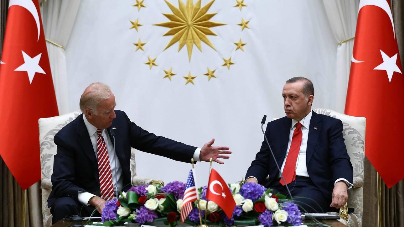 Επίθεση του τουρκικού Τύπου σε ΗΠΑ-Μπάιντεν: «Πάντα στο πλευρό των εχθρών μας – Να κλείσουμε τις βάσεις»