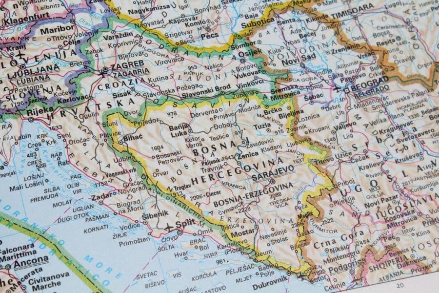 """Σάλος με ψεύτικο """"non paper"""" για αλλαγή συνόρων στα Βαλκάνια"""