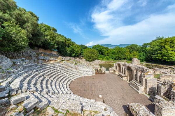 Βουθρωτού: Η πανέμορφη αρχαιοελληνική πόλη του Ιονίου