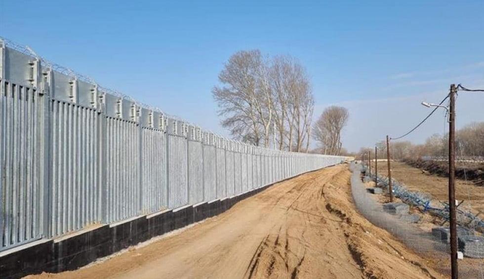 Πώς χτίζεται ο φράχτης στον Έβρο μήκους 27 χιλιομέτρων (ΒΙΝΤΕΟ)