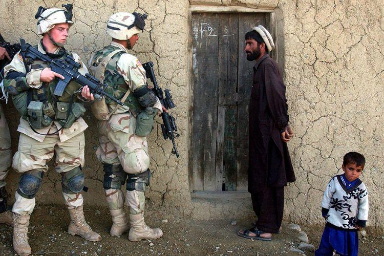 Η εγκατάλειψη των Αφγανών: Φεύγουν οι Αμερικανοί στρατιώτες