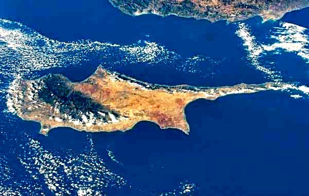Μια βαριά σκιά πάνω από την Κύπρο