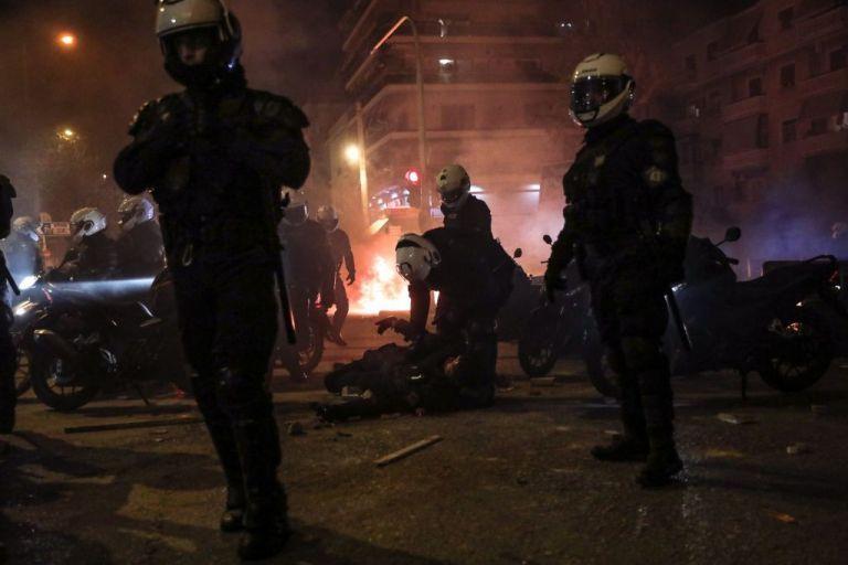 Νέα Σμύρνη : Συγκλονίζει ο ειδικός φρουρός που δέχτηκε επίθεση – «Πίστεψα ότι δεν θα με βρει κανείς»