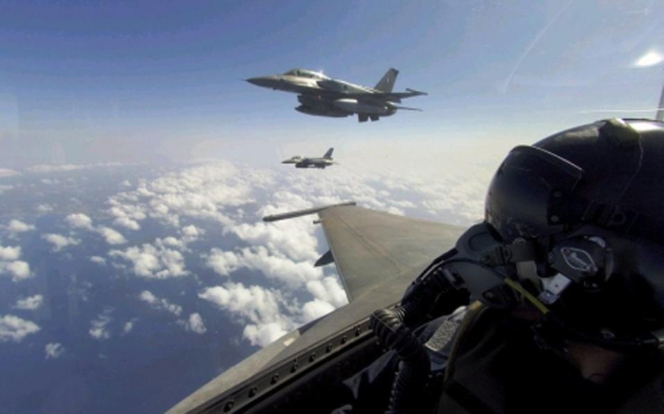 Τα… σπάνε στον αέρα! Εκατό πολεμικά αεροσκάφη από 6 χώρες στην άσκηση «ΗΝΙΟΧΟΣ» (ΒΙΝΤΕΟ)