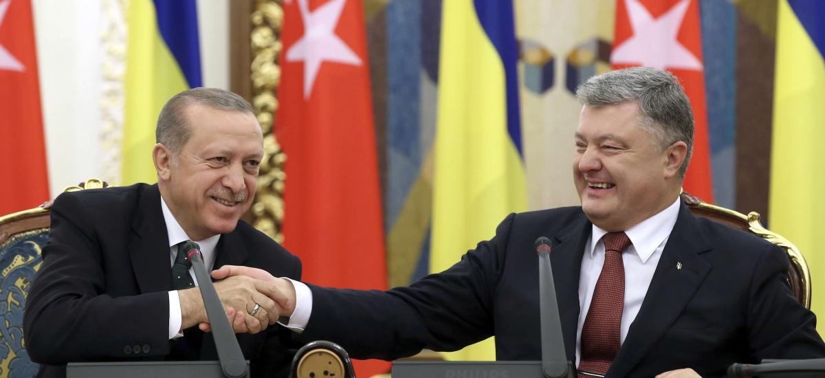 Πώς εξηγούνται οι ολοένα και πιο στενές σχέσεις της Τουρκίας με την Ουκρανία