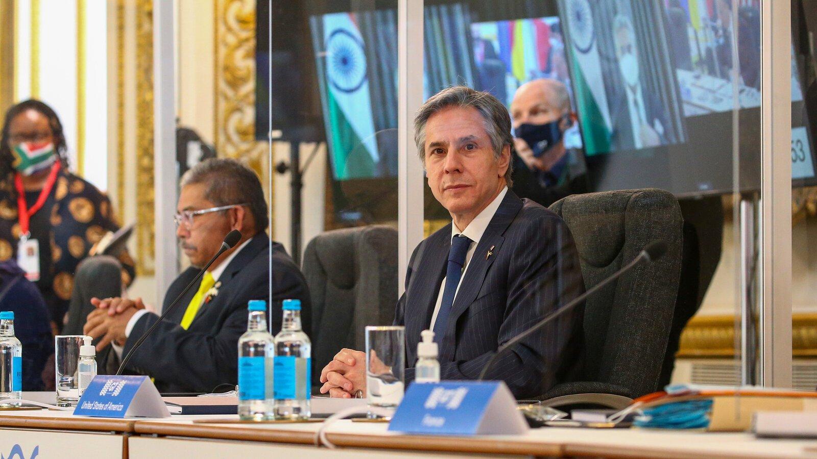 Σημαντική επίσκεψη στήριξης της Ουκρανίας από τον Αν. Μπλίνκεν