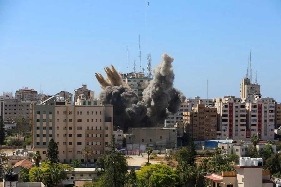 Συγκλονιστικές μαρτυρίες Ελλήνων για τη Γάζα: «Είμαι ανάμεσα στα δύο πυρά»