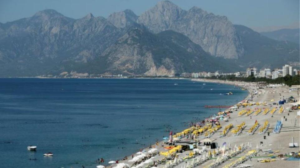 Μαύρο καλοκαίρι προβλέπει η Capital Economics για την Τουρκία: Δύσκολο να πάνε τουρίστες! Σε δεινή κατάσταση η οικονομία