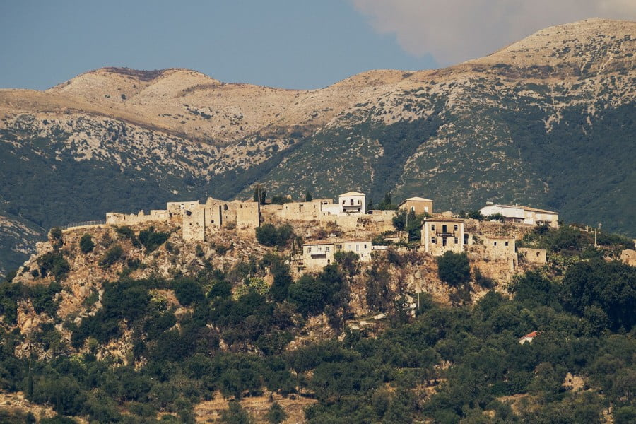 Ντοκιμαντέρ του 1993 για τη Χιμάρα και τα χωριά της (BINTEO)