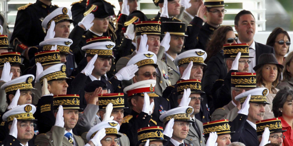 Οι Γάλλοι στρατιωτικοί, ο εμφύλιος στη Γαλλία και η αποτυχία της πολυπολιτισμικότητας