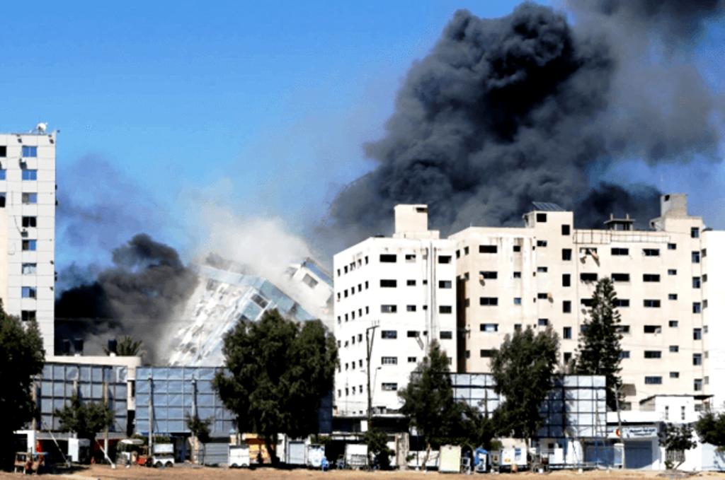 H Γκουέρνικα της Παλαιστίνης, Ευρωπαίοι κατά Αμερικανών, δημοσιογραφία και εθνική ασφάλεια