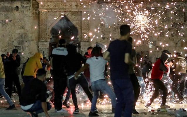 Ιερουσαλήμ: Πάνω από 180 τραυματίες σε συγκρούσεις Παλαιστινίων-ισραηλινής αστυνομίας