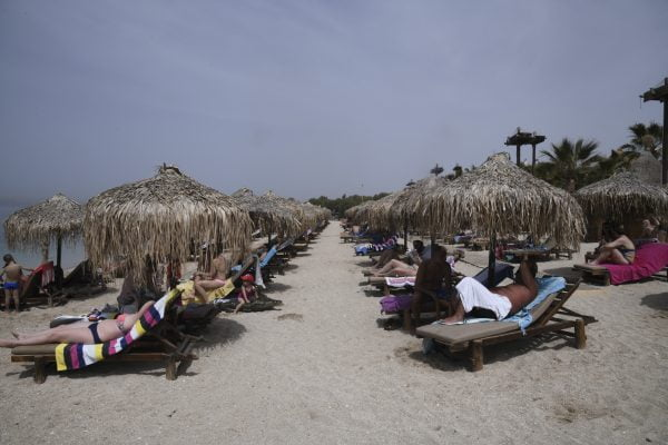 Μόνο ένας στους τρεις Έλληνες θα πάει διακοπές φέτος
