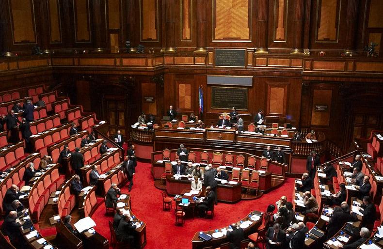 Η ιταλική Γερουσία ενέκρινε τη συμφωνία οριοθέτησης ΑΟΖ Ελλάδος – Ιταλίας
