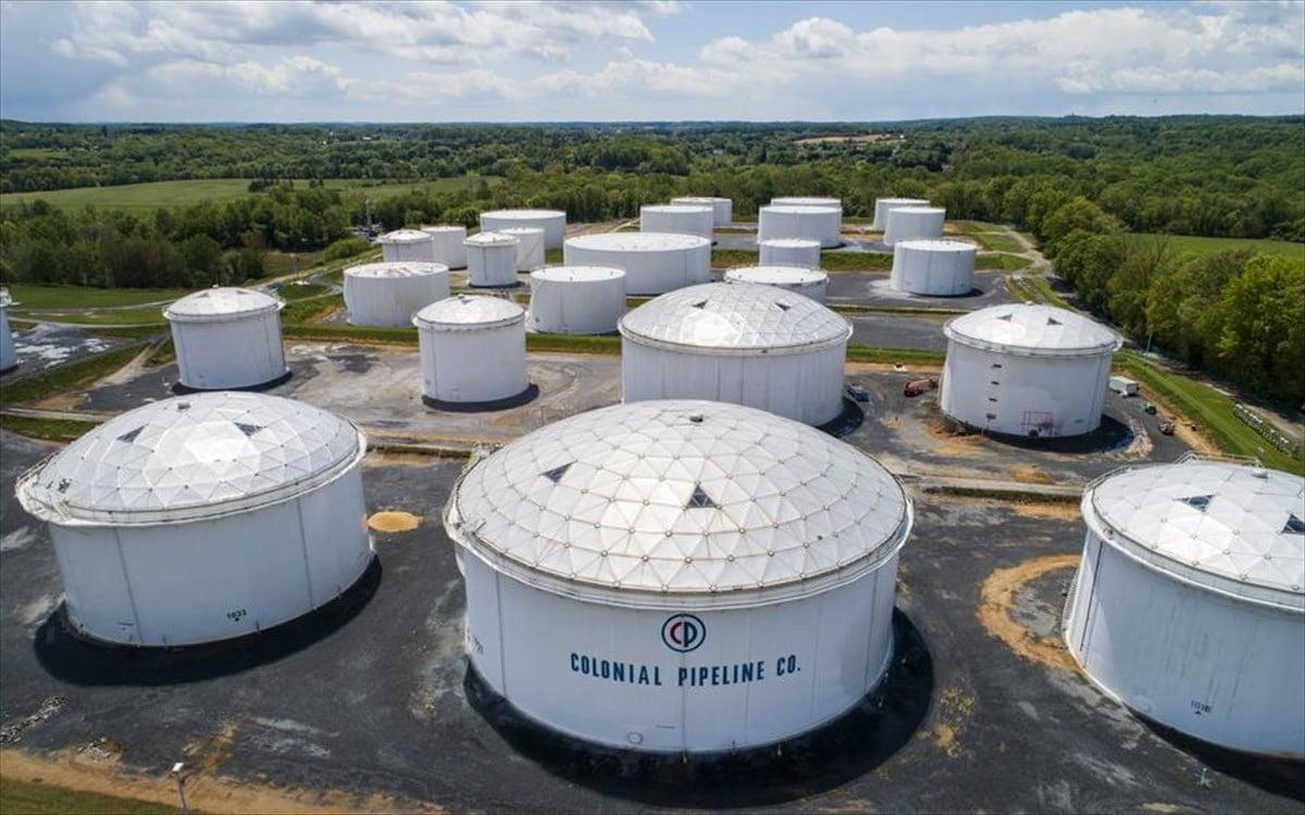 Bloomberg: Πλήρωσε τελικά λύτρα στους χάκερς η Colonial Pipeline