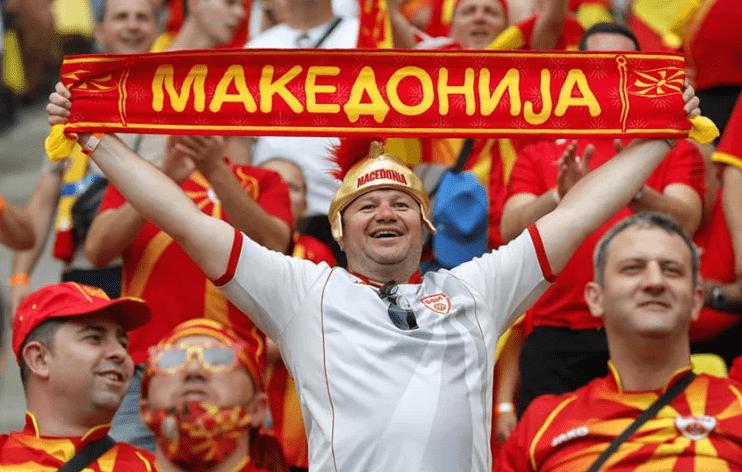 Παντελής Σαββίδης: Ο Καντ, ο Κοπέρνικος, το Σκοπιανό και η φανέλα