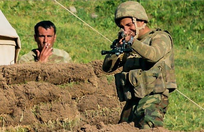 Ισπανοί δημοσιογράφοι δέχτηκαν απειλές από Αζέρους στρατιώτες στο Κεγαρκουνίκ