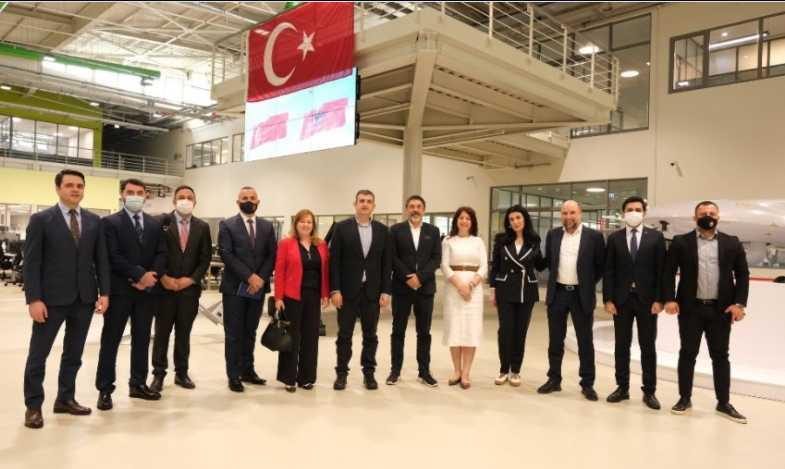 Ο Ερντογάν δημιουργεί τουρκικά προτεκτοράτα στα Βαλκάνια! Στην Τουρκία ο Αλβανός ΥΠΕΣ για τα Bayraktar