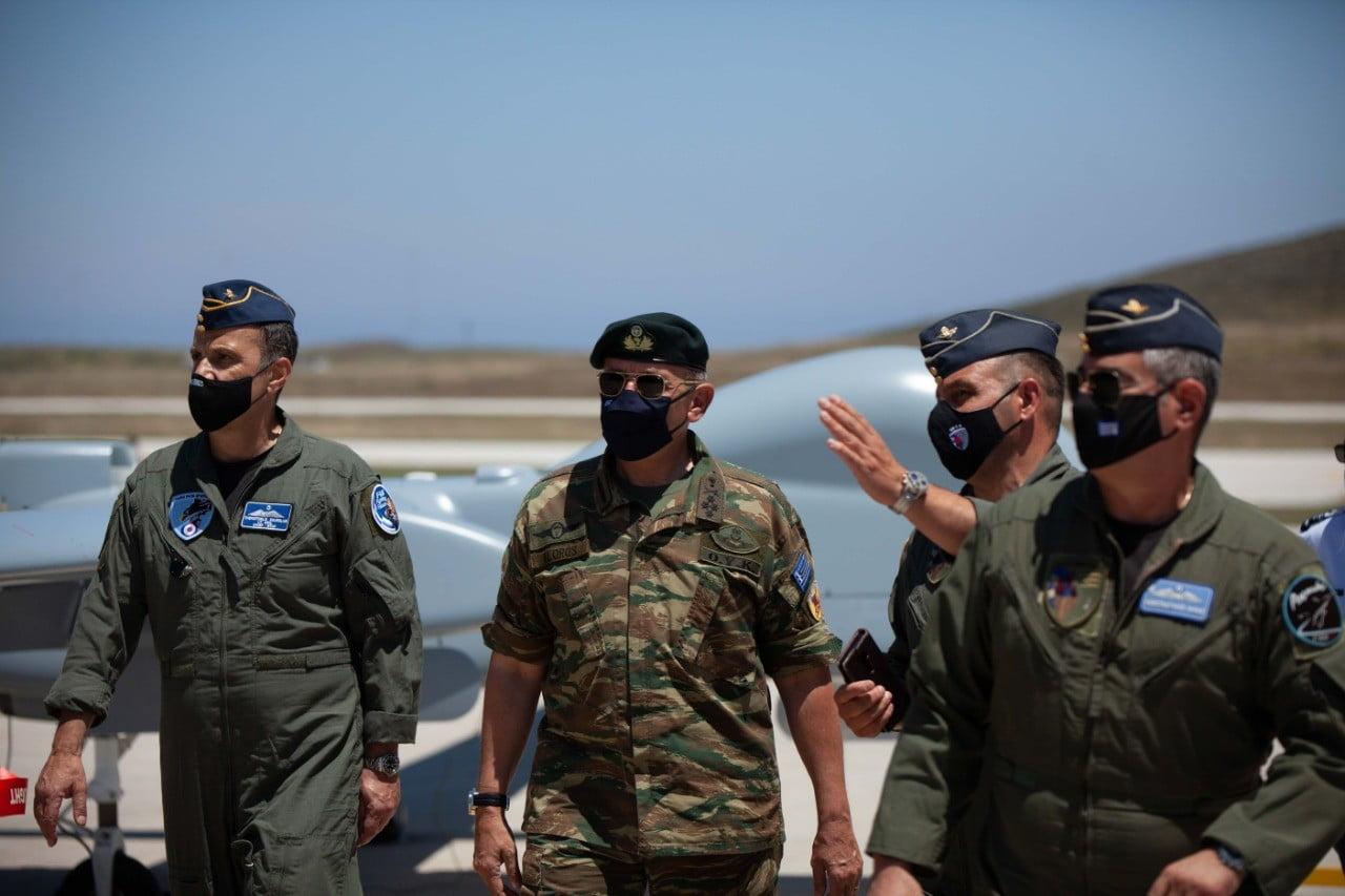 Τα Heron «κλειδώνουν» το Αιγαίο από τις προκλήσεις των Τούρκων – Στο «ορμητήριο» της Σκύρου δίπλα στα μαχητικά επιφυλακής