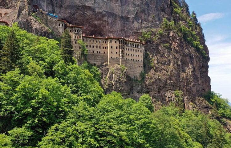 Ανοίγει η Παναγία Σουμελά στην Τραπεζούντα, μετά τις εκτεταμένες εργασίες που ξεκίνησαν το 2015