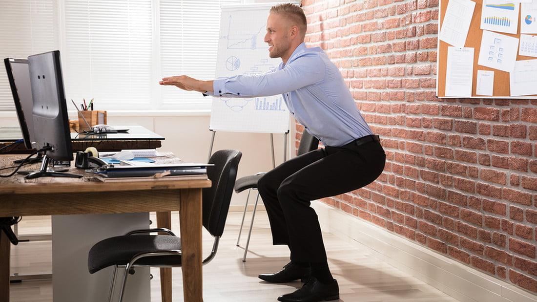 Σηκωθείτε! Διάλειμμα από την καθιστική εργασία – Γυμναστική στο γραφείο διάρκειας 10 λεπτών (ΒΙΝΤΕΟ)