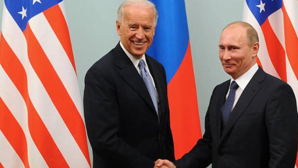 """Μπάιντεν: Οι σχέσεις των ΗΠΑ και της Ρωσίας βρίσκονται στο """"ναδίρ"""" τους"""