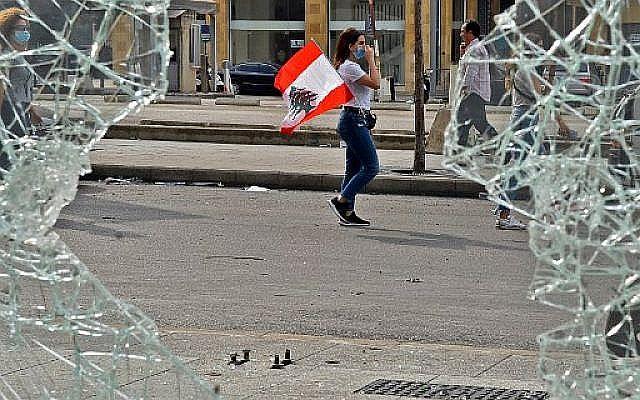 Λίβανος: Υποτίμηση-ρεκόρ του νομίσματος, ταραχές σε δυο μεγάλες πόλεις της χώρας