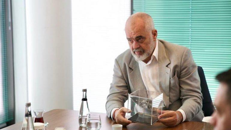 Ερντογάν: Δίνει στον Ράμα drones για τον έλεγχο όλης της Αλβανίας και δωρεάν εμβόλια στον Ζάεφ