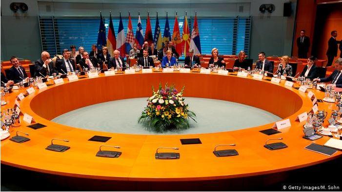 Η Μέρκελ συγκάλεσε Σύνοδο Κορυφής για τα Δυτικά Βαλκάνια