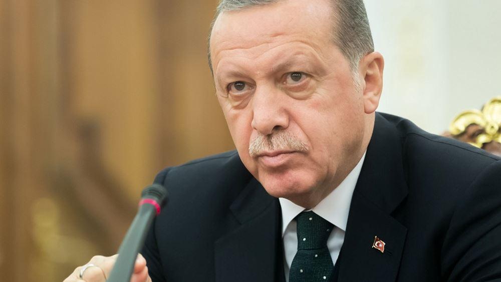 """Τουρκία: Με νέο νόμο ο Ερντογάν θα προχωρήσει σε περαιτέρω """"φίμωμα"""" των ΜΜΕ"""