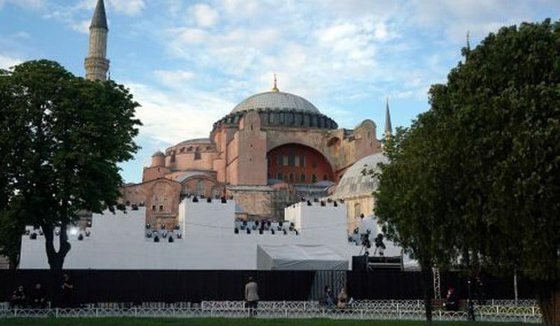 Διπλωματικές πηγές: Ικανοποίηση της Ελλάδας από την απόφαση της Unesco σχετικά με τη μετατροπή της Αγίας Σοφίας σε τζαμί