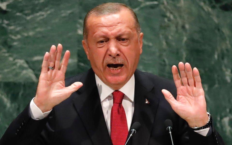 """Οργή γιατρών και αντιπολίτευσης: Ο Ερντογάν """"μαγειρεύει"""" τα νούμερα θανάτων από κορονοϊό λόγω τουρισμού"""