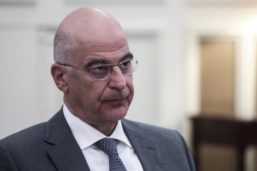 Τι μηνύματα στέλνει η Ελλάδα, με τις επισκέψιες σε Λιβύη και Ουκρανία