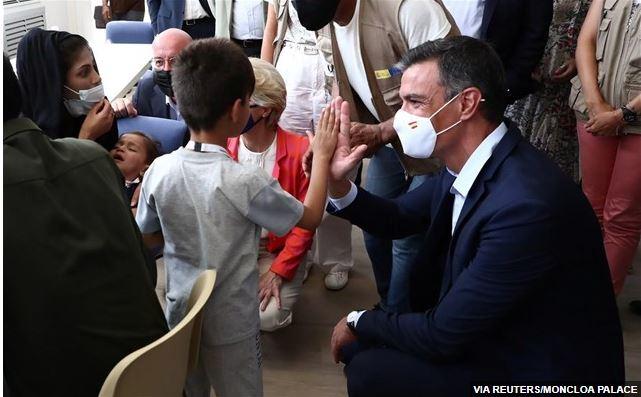 Συμφωνία Μπάιντεν-Σάντσεθ για χρήση στρατιωτικών βάσεων στη νότια Ισπανία για Αφγανούς πρόσφυγες
