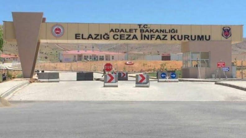 Τουρκία: Επιφανής Κούρδισσα πολιτικός απειλείται στη φυλακή επειδή «τραγουδούσε σε μη αναγνωρισμένη γλώσσα»