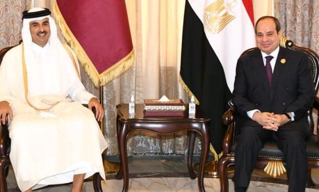 Ιστορική συνάντηση του Αλ Σίσι με τον εμίρη του Κατάρ Αλ Θάνι, μετά από τέσσερα χρόνια