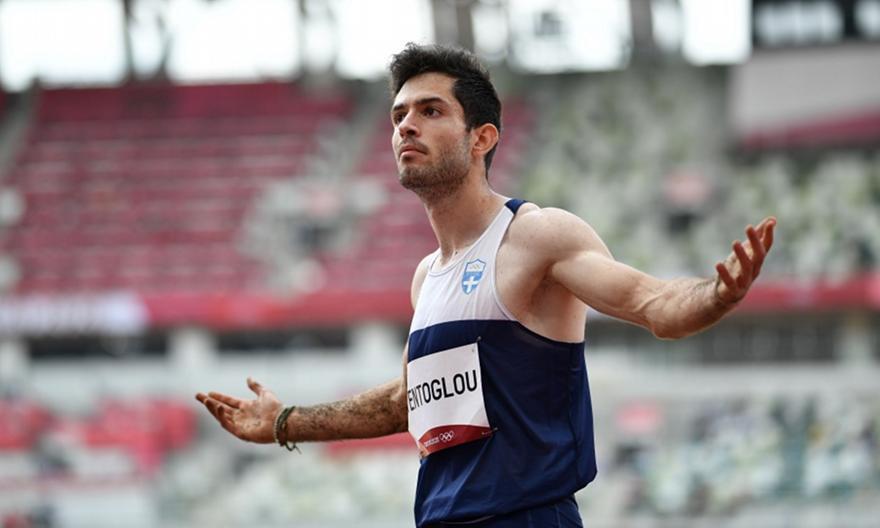 Ο Τεντόγλου έγραψε ιστορία στο Τόκιο! «Πέταξε» στα 8.41μ. στο τελευταίο του άλμα και κατέκτησε το χρυσό μετάλλιο