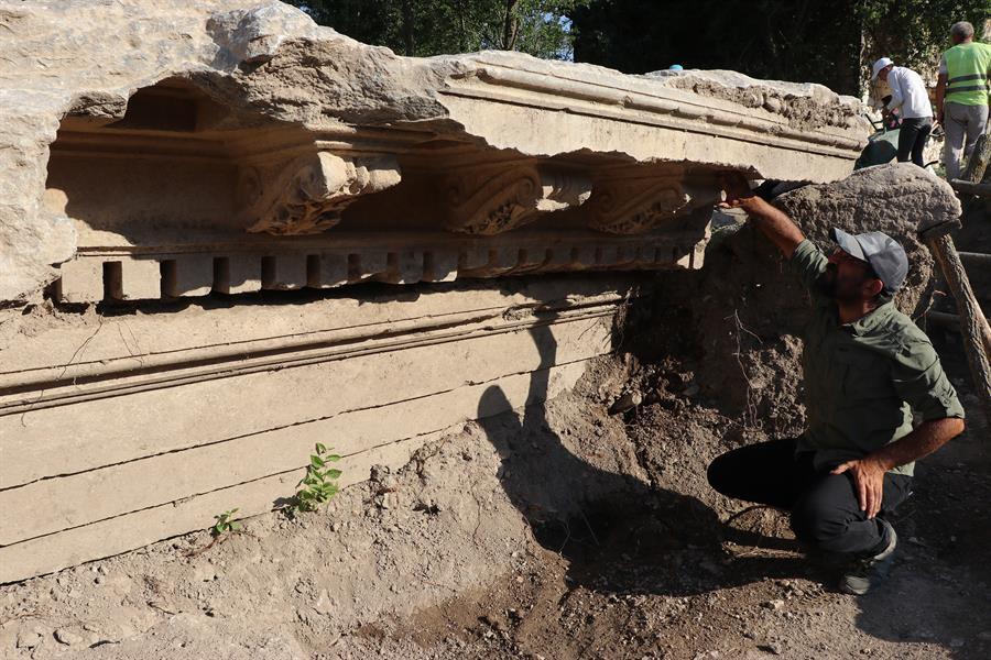 Ανακαλύφθηκε είσοδος στο ναό του Δία, στους Αιζανούς της Κιουτάχειας