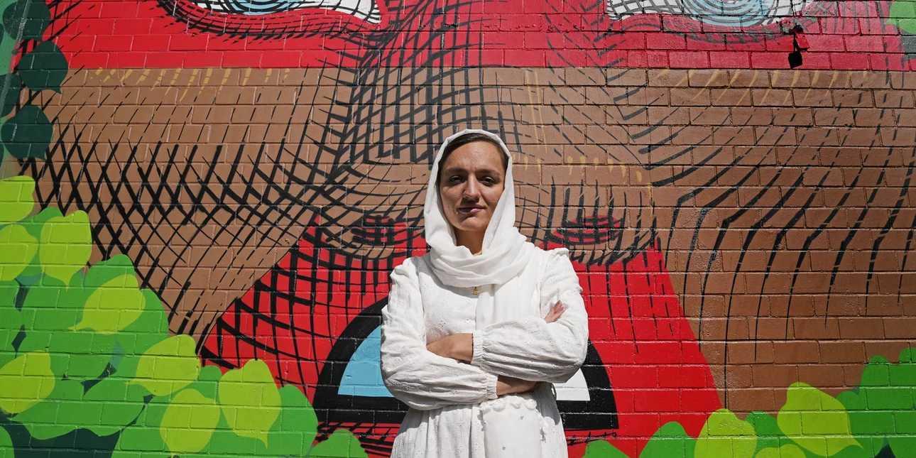 Ζαρίφα Γκαφάρι: Πώς κατάφερε να φύγει από το Αφγανιστάν η πρώτη γυναίκα δήμαρχος -«Ο,τι πιο οδυνηρό έχω ζήσει»