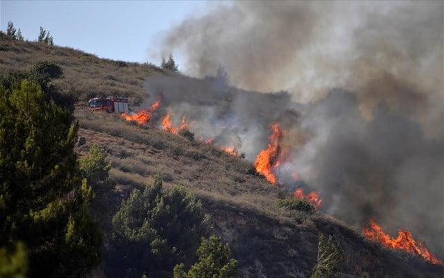 Λίβανος: Πυρκαγιά στην πόλη Ρασάγια Αλ Φοχ, μετά τους βομβαρδισμούς του Ισραήλ